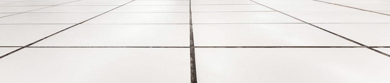 Tegelvloeren opruwen